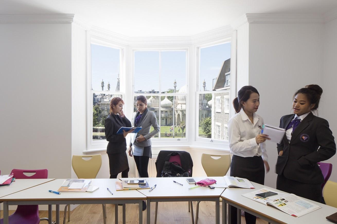 15. Brighton Language School - Home BLC